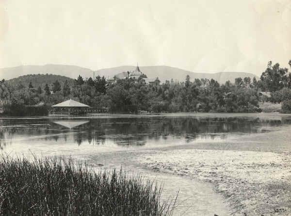 Lindo Lake and Boathouse, Lakeside CA