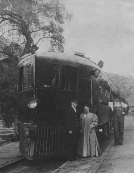 Gasoline engine at Foster Station c.1915.